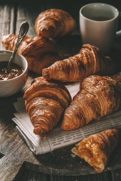 12 Best Bakeries In London To Visit – Foodie travel Croissants, Best Food Photography, Photography Lighting, Photography Editing, Photography Backdrops, Photography Awards, Sweets Photography, Photography Contract, Photography Training