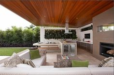 Innovative Outdoor Kitchen Ideas & Design for Your Inspirations Incredible Outdoor Kitchen Designs Ideas – 2018 Modern Outdoor Kitchen Design Ideas. Outdoor Areas, Outdoor Rooms, Outdoor Dining, Indoor Outdoor, Outdoor Decor, Modern Outdoor Kitchen, Outdoor Kitchens, Backyard Kitchen, Kitchen Contemporary