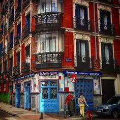 Madrid. #madrid  #españa #viajar #calle #rue #strasse #viatge #paseo  #casas by ramonpon