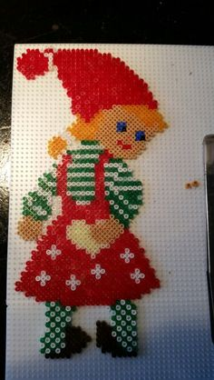 Nisse pige ♡ Christmas Crafts To Make, Crafts To Do, Bead Crafts, Christmas Perler Beads, Christmas Cross, Pearler Bead Patterns, Perler Patterns, Hello Kitty Crochet, Hama Beads Design