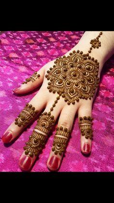 Henna Tattoos, Henna Mehndi, Henna Art, Mehendi, Hand Henna, Arabic Henna Designs, Mehndi Designs For Girls, Simple Mehndi Designs, Mehandi Designs