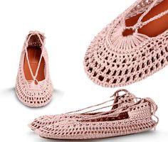 Calçados de crochê   Moda em Crochê - Sapatilha de crochê Alberta Ferretti - crochet shoes