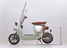 We designed the greenest scooter ever; this e-scooter is made from plants, seriously. The Be.e is a frameless bio-composite electric scooter, with a monocoque body made from flax and bio-resin. E Electric, Electric Scooter, Electric Vehicle, Scooter Design, Bike Design, Vespa Modelle, Vespa Roller, E Mobility, Mobility Scooters