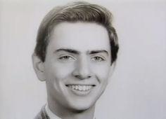 1951 - Fotografía de graduación de Carl Sagan en la Rahway High School