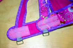 Jill Myslinski uses her time away from her busy restaurant to sew and create outside of the kitchen. She designed this cute and functional Kimono Dog Harness for her dog, and she shows you how to make one for your dog with today's free PDF pattern. Sewing Patterns Free, Sewing Tutorials, Diy Wedding Shoes, Sew Mama Sew, Sewing To Sell, Dog Pattern, Free Pattern, Diy Dog Treats, Dog Items