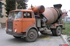 Mixer Truck, Concrete Mixers, Classic Trucks, Heavy Equipment, Old Trucks, Cars And Motorcycles, Vehicles, Construction, Motorbikes