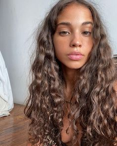 Hairstyles With Bangs, Pretty Hairstyles, Long Curly Haircuts, Hair Inspo, Hair Inspiration, Curly Hair Styles, Natural Hair Styles, Aesthetic Hair, Beige Aesthetic