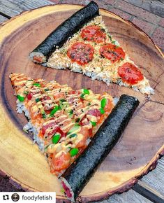 🍕You'll always have a pizza of my heart💔 . 🍣Remember the sushi donut? Well, I present to you the sushi pizza. Just as yummy and fun. Think Food, I Love Food, Good Food, Yummy Food, Sushi Recipes, Cooking Recipes, Sushi Pizza Recipe, Pizza Food, Healthy Recipes