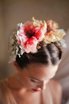 Flower headpiece | http://burnettsboards.com/2013/12/styled-shoot-awards/