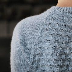 Den smukke Peacock sweater fra Pickles er perfekt til kontoret. Jeg kunne sagtens bruge den i 5 forskellige farver.