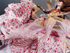 Polina Kouklina in Bloom photographed by Sølve Sundsbø for V Magazine, Spring 2004 Styled by Anastasia Barbieri Foto Fashion, Fashion Art, Editorial Fashion, High Fashion, Lux Fashion, Fashion Pics, Fashion 2016, Fashion Images, Fashion Spring