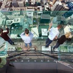 Transparent balcony on 103th floor skyscraper of Sears Tower in Chicago. | #MostBeautifulPages