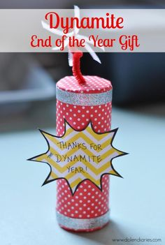 Are you looking for a quick & easy Teacher Appreciation or End of the Year gift for your favorite teachers! This Dynamite Teacher Gift is just the Teacher Appreciation Gifts, Teacher Gifts, Volunteer Appreciation, Craft Gifts, Diy Gifts, Teacher Gift Baskets, Teacher Christmas Gifts, Team Gifts, School Gifts