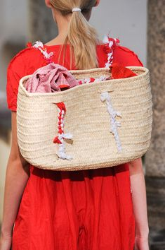 Daniela Gregis Spring 2014, basket backpack. This would be easy to duplicate!