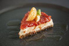 Τσίζκεϊκ με σύκα, κρέμα βανίλιας και μαρμελάδα κυδώνι με μπαχαρικά Pepperoni, Pizza, Favorite Recipes, Desserts, Food, Tailgate Desserts, Deserts, Essen, Postres