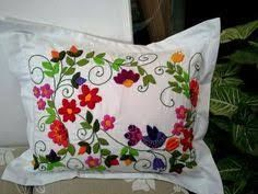 Resultado de imagen para patrones bordado mexicano para imprimir Hand Embroidery Designs, Embroidery Stitches, Embroidery Patterns, Mexican Embroidery, Floral Embroidery, Bordado Floral, Bordados E Cia, Pillow Cover Design, Beaded Cross Stitch