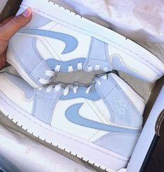 Dr Shoes, All Nike Shoes, Swag Shoes, Nike Shoes Air Force, Hype Shoes, Air Force Sneakers, Women Nike Shoes, Shoes For Women, Nike Jordans Women