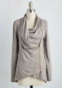 Tops - Airport Greeting Cardigan in Oatmeal