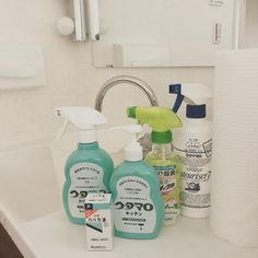 カビや水アカ…を解決!水回りをキレイにする「お掃除テク&便利アイテム」 - LOCARI(ロカリ)
