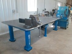 welding table plans or ideas Metal Projects, Welding Projects, Welding Supplies, Welding Ideas, Diy Projects, Welding Bench, Diy Welding, Welding Cart, Welding Works