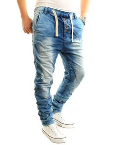 Denim Joggers, Jeans Pants, Jogg Jeans, Denim Fashion, Fashion Outfits, Gq Style, Bermuda, Pants Outfit, Jeans Style