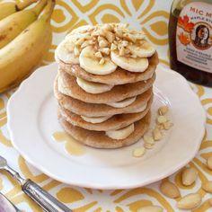 Buona domenica! Colazione da regina con i miei adorati pancakes senza glutine con banana mandorle e sciroppo d'acero. Yummy!  Trovate la ricetta sul mio canale YouTube e sul mio blog.  Good Sunday! Breakfast as a queen with my adorable vegan gluten-free pancakes with banana almonds and maple syrup. Yummy!  #breakfastoftheday #breakfast #veganbreakfast #healthybreakfast #ilovebreakfast #colazione #colazionevegana #whatiatetoday #whatveganseats #veglifechannel #veglife #plantbased #govegan…