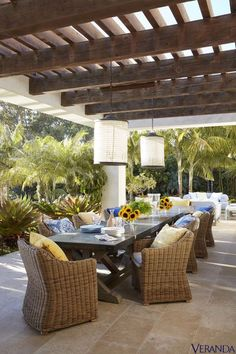 Whether you're looking to add shade over a poolside patio or a lush garden courtyard, these pergola ideas will transform your backyard into an idyllic oasis. Indoor Outdoor Living, Outdoor Rooms, Outdoor Dining, Outdoor Furniture Sets, Outdoor Decor, Modern Furniture, Rustic Furniture, Antique Furniture, Outdoor Patios