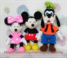 Hotkey Webmail :: 18 more Pins for your Toys board Crochet Teddy, Cute Crochet, Crochet For Kids, Crochet Crafts, Crochet Dolls, Yarn Crafts, Crochet Projects, Disney Crochet Patterns, Crochet Disney