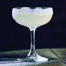 Easy 20-Minute lemon drop martini sweet and sour mix one and only salonfood.com Lemon Drop Martini, Vodka Martini, Sour Mix, Easy Cocktails, Cocktail Making, Tableware, Sweet, Candy, Dinnerware