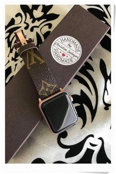 I Repurposed Authentic Louis Vuitton Used Handbags. Handmade Apple Watch Band, Brand New Apple Iwatch Connectors and Brand New Stainless Steel Butterfly Deployment Clasp. The total band length is to to 7 plus the watch case diameter CUSTOMIZE size Apple Watch Fashion, Apple Watch Accessories, Iphone Accessories, Women Accessories, Accessoires Iphone, Apple Watch Series 3, Used Apple Watch, Louis Vuitton Handbags, Louis Vuitton Jewelry