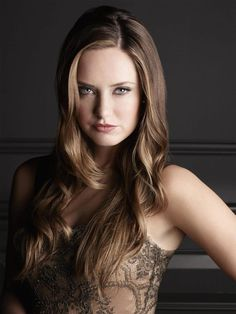 """Merritt Patterson as Ophelia on """"The Royals"""""""