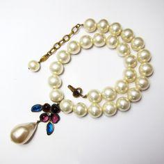 Vintage CHANEL Gripoix Flower Pendant Necklace