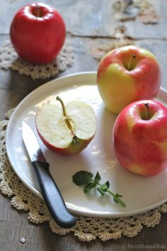 Gala's make the best apple pie & Pink Ladies make the best eating apple..... yumm