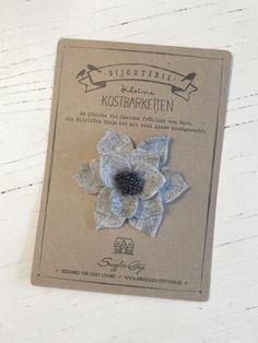 Ansteckbroschen - Ansteckblume Tisje Blüte aus Filz grau - ein Designerstück von snuggles-cottage bei DaWanda
