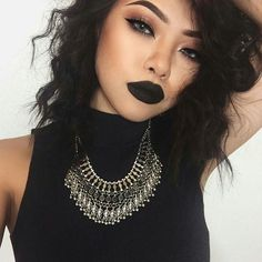 Black lipstick Grunge Look - looks bad and good at the same time. Makeup Goals, Love Makeup, Makeup Inspo, Makeup Inspiration, Makeup Tips, Makeup Ideas, Girls Makeup, Makeup Style, Pretty Makeup