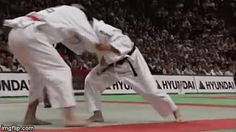 Judo at is best in this vintage Deashi-harai…