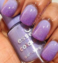 Purple, sparkly gradient #purple #gradient #sparkle #nails - bellashoot.com