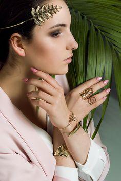 Idealny dodatek do każdej fryzury #ewaija #everydayfashion #lookbook Bangles, Bracelets, Jewelry, Fashion, Moda, Jewlery, Jewerly, Fashion Styles, Schmuck