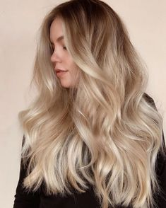 The Best Shampoo For Thick, Long Hair - Cabello Rubio Blonde Hair Looks, Thick Blonde Hair, Honey Blonde Hair, Brunette To Blonde, Short Hair Styles, Natural Hair Styles, Hair Color Balayage, Beige Blonde Balayage, Blonde Foils
