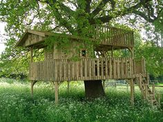 From a garden tree house to lakeside cabins, rope bridges to wooden play areas and kids tree forts; Cheeky Monkey Treehouses are the treehouse building company for you. With 15 years of garden tree house building experience and a large range of UK treehouse builds as well as builds in Europe and the Middle East there are now many Cheeky Monkey Treehouses across the world.