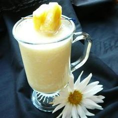 Pineapple Smoothies | #kidfriendly #breakfast #brunch