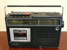 Radiocassette, qué recuerdos,yo tuve una igual.