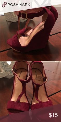 Maroon wedges Maroon wedges great condition Xhilaration Shoes Wedges