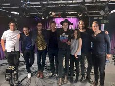 James Bay withe band and girlfriend.