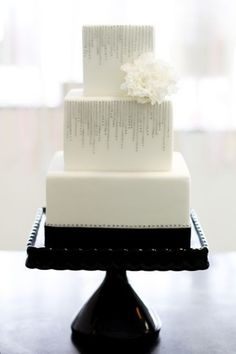 These lovely white wedding cakes have just made my day. It's such a great feeling to come across beauty so unexpectedly, especially when it involves perfectly crafted cake masterpieces made with brilliant floral . Beautiful Wedding Cakes, Gorgeous Cakes, Pretty Cakes, Dream Wedding, Bling Wedding, Rhinestone Wedding, Elegant Wedding, Square Wedding Cakes, Square Cakes