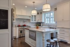 Benjamin Moore Paint Colors White Dove OC 17. This is the best white paint color for kitchen cabinet!