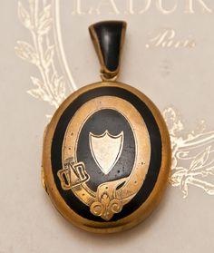 Stunning Victorian locket...