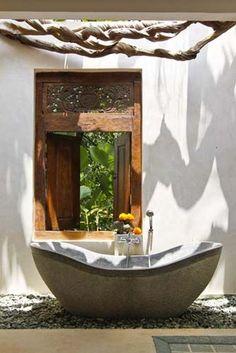 Tropical Awe Inspiring Bathroom Decor Ideas