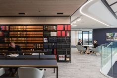 Designed by Warren & Mahoney, the new head office for law firm Russell McVeagh, challenges this antiquated workplace approach with a daring, agile strategy. Modular Shelving, Modular Storage, Adjustable Shelving, Office Interior Design, Office Interiors, Meeting Room Booking, Steel Cupboard, Restaurants, Filing System