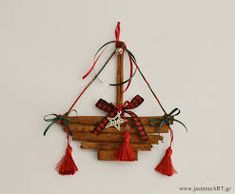 christmas ornament with cinnamon sticks Christmas Ships, Christmas Mood, Diy Christmas Gifts, Christmas Projects, Handmade Christmas, Christmas Wreaths, Christmas Decorations, Christmas Ornaments, Diy And Crafts